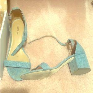Spring denim heels
